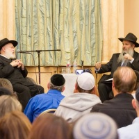 "Rabbi Yehuda Krinsky speaks at Chabad of the Canejo on ""The Lubavitcher Rebbe: Up Close and Personal"""