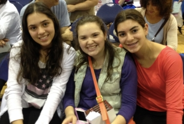 L-R Miriam Waghalter, Amira Felsenthal and Michaela Rosenberg of YULA Girls High