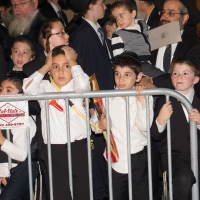 Pittsburgher Rebbe spends Lag b'Omer in Los Angeles