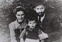 Menachem Begin with his wife and son posing undercover as the Sassovers, 1946