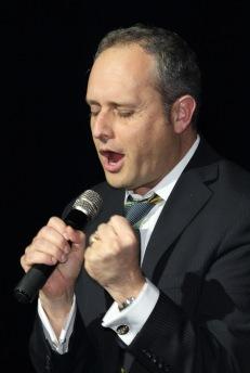Cantor Arik Wollheim