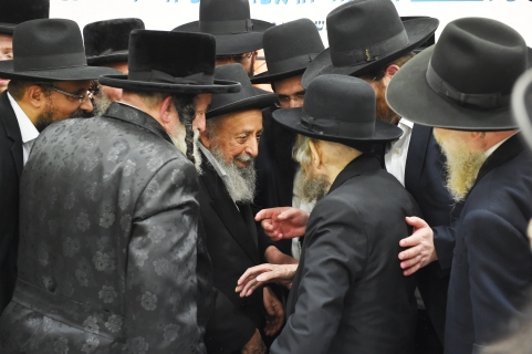L-R Vizhnitzer Rebbe, Harav Shimon Badani, HaRav Aharon Leib Shteiman