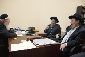 L R Rav Eliezer Gross Rav Chaim Boruch Rubin and Chief Rabbi Kalman Ber of Netanya during visit to Yeshiva Gedolah. Photos: Arye D. Gordon