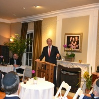 George Pataki Visits Los Angeles While Considering a Presidential Run