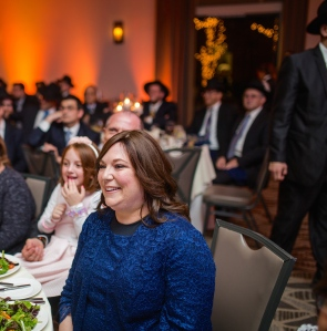 Ms. Jennifer Manosh, recipient of the Hakaras Hatov Award and PTA Treasurer with a partial view of the crowd. Photos: David Miller Photography