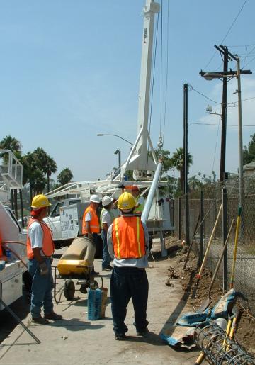 Putting in an Eruv pole