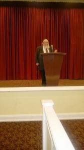 Ohr Sameach - Rabbi Breitowitz addressing the crowd