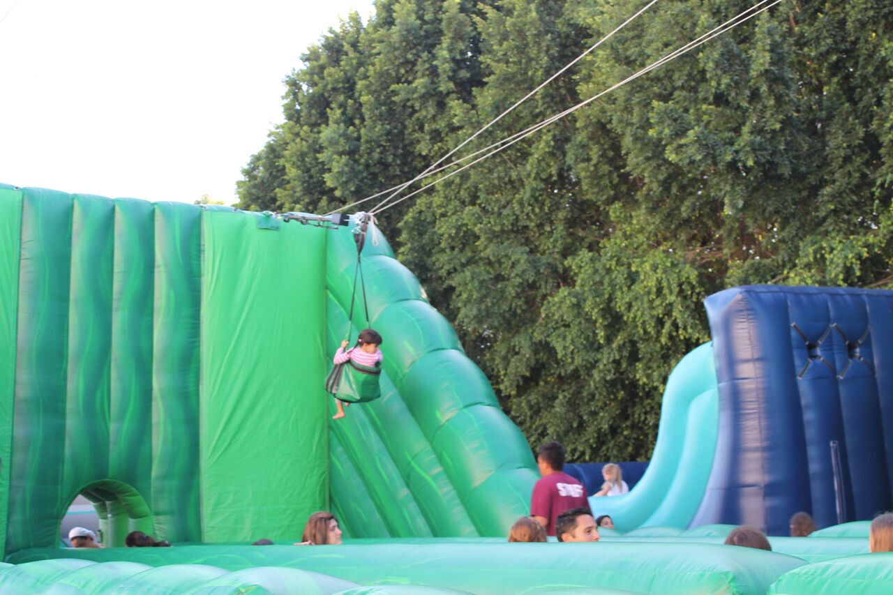 Hooleh Fun at Sukkot Carnival – Interview with 8th Day
