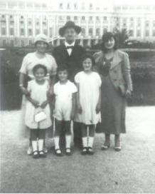 2-the-schwartz-family-in-vienna