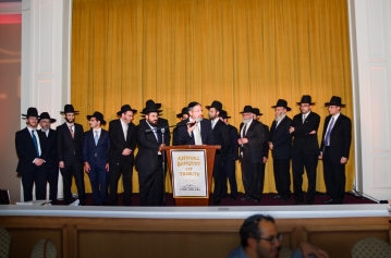 LINK Kollel Avreichim behind Rabbi Mordechai Lebhar, Rosh Kollel and Rabbi Asher Brander, founder and Rav