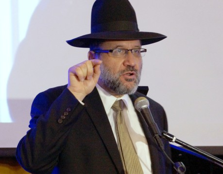 Rabbi David Akhamzadeh of Beit Knesset Ohr HaEmet