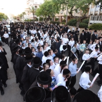Hachnossos Sefer Torah at Laniado Hospital: Torah donated for Pinchas Goldner's 15th Yahrtzeit