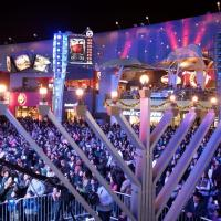 Chabad of the Valley Lights Up Universal Studios CityWALK