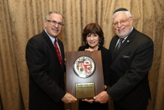 Errol Fine and Rabbi Kalinsky with their Congressional Certificates of Recognition from Congressman Ted Lieu